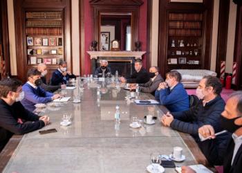 Kicillof y Costa se reunieron con representantes de las cadenas de producción y comercialización de bienes de consumo masivo